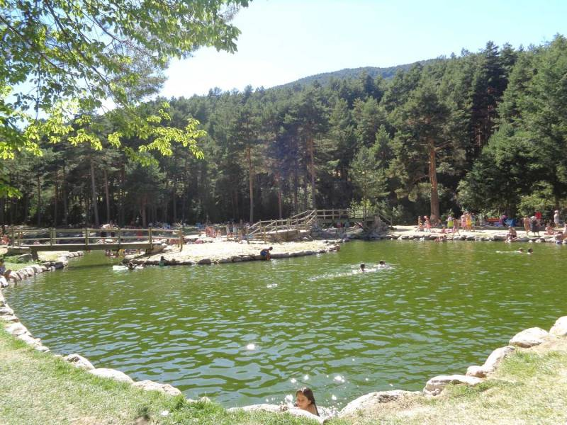 Navafria pico nevero rio cega for Piscinas naturales rio malo